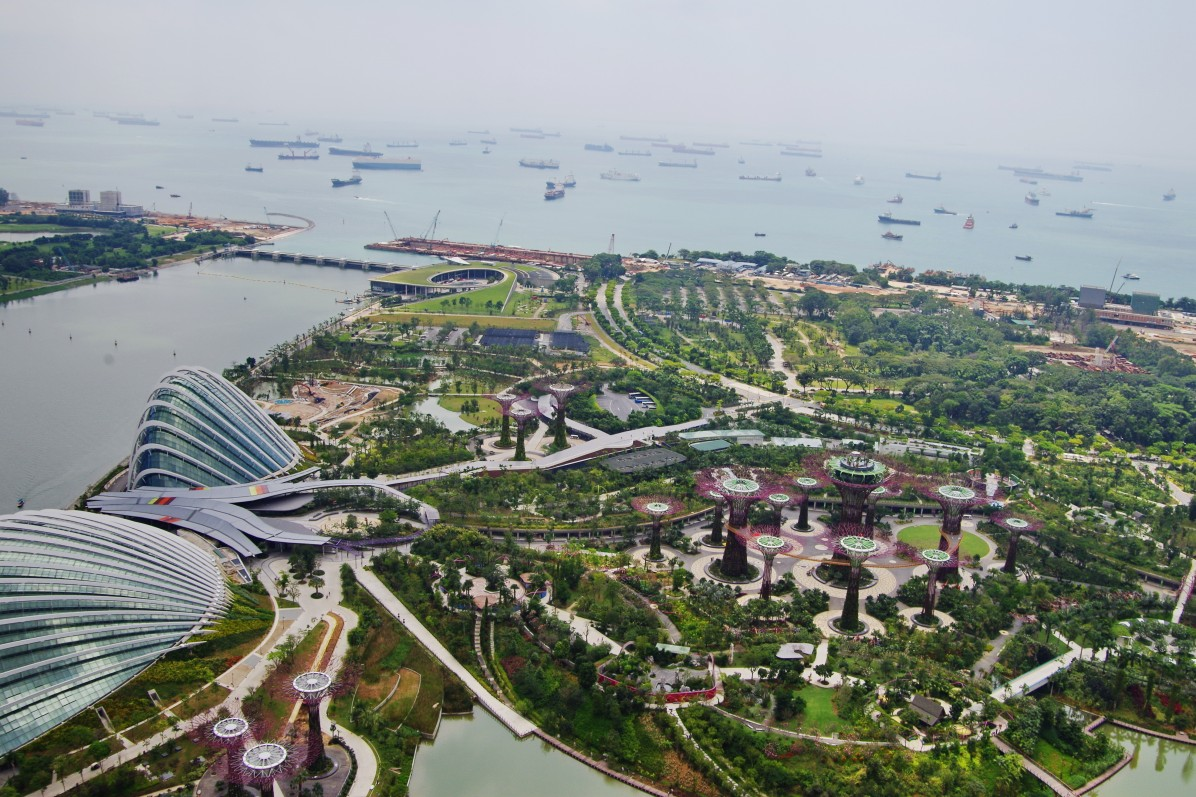 Gardens_by_the_Bay_South_viewed_from_Sands_Sky_Park_Marina_Bay_Sands_Hotel_Singapore